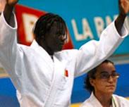 Championnats d�Afrique : les Lions re�oivent le drapeau national